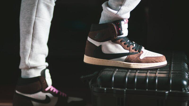 Buty markowe męskie – styl każdego dnia
